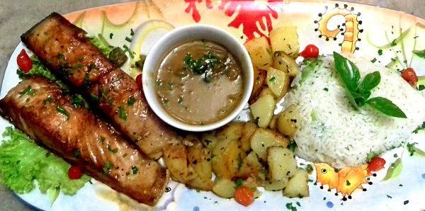 Salmão ao Molho de Laranja c/ arroz e batatas sautê