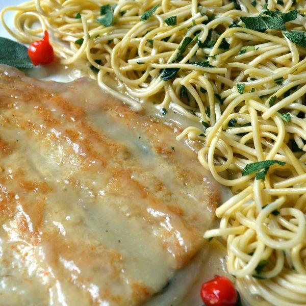 Truta grelhada com Molho de Limão Siciliano com Spaghetti na Manteiga de Ervas Frescas